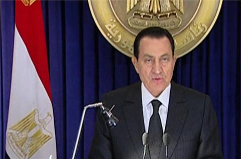 http://kiaoragaza.files.wordpress.com/2011/01/mubarak-goes-on-tv-to-announce-the-dismissal-of-his-government.jpg?w=480&h=318