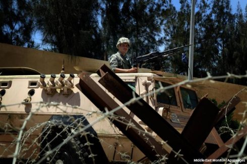 egyptian-soldier-at-rafah-crossing-in-armoured-vehicle