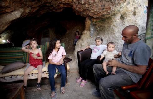 141111-zeer-family-cave