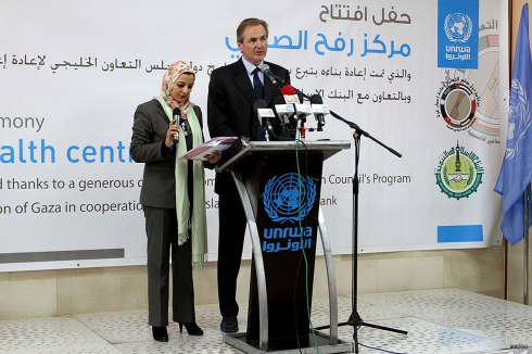 Robert-Turner-giving-speech-as-UNRWA-opens-a-health-center-in-Gaza's-Rafah-2015-01