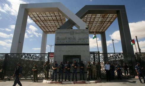 Rafah-Border-Guarded-By-Egyptian-Soldiers
